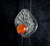 Серебряное кольцо с небольшим сердоликом