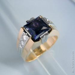 Кольцо с иолитом