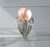 Кольцо с розовой жемчужиной